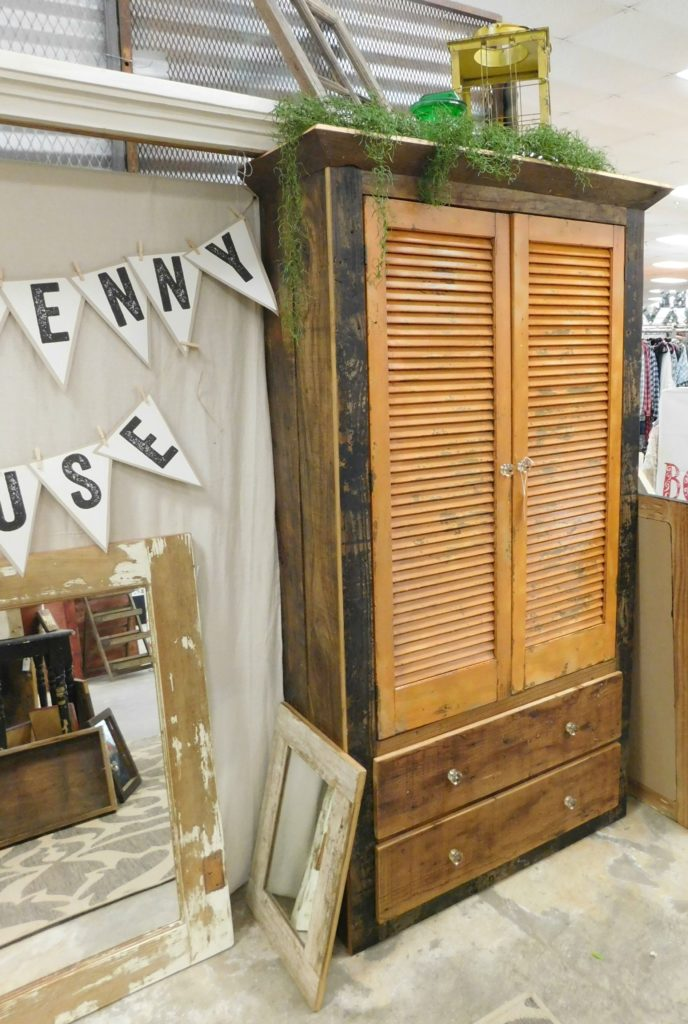 Tenpenny House Vintage Market 4