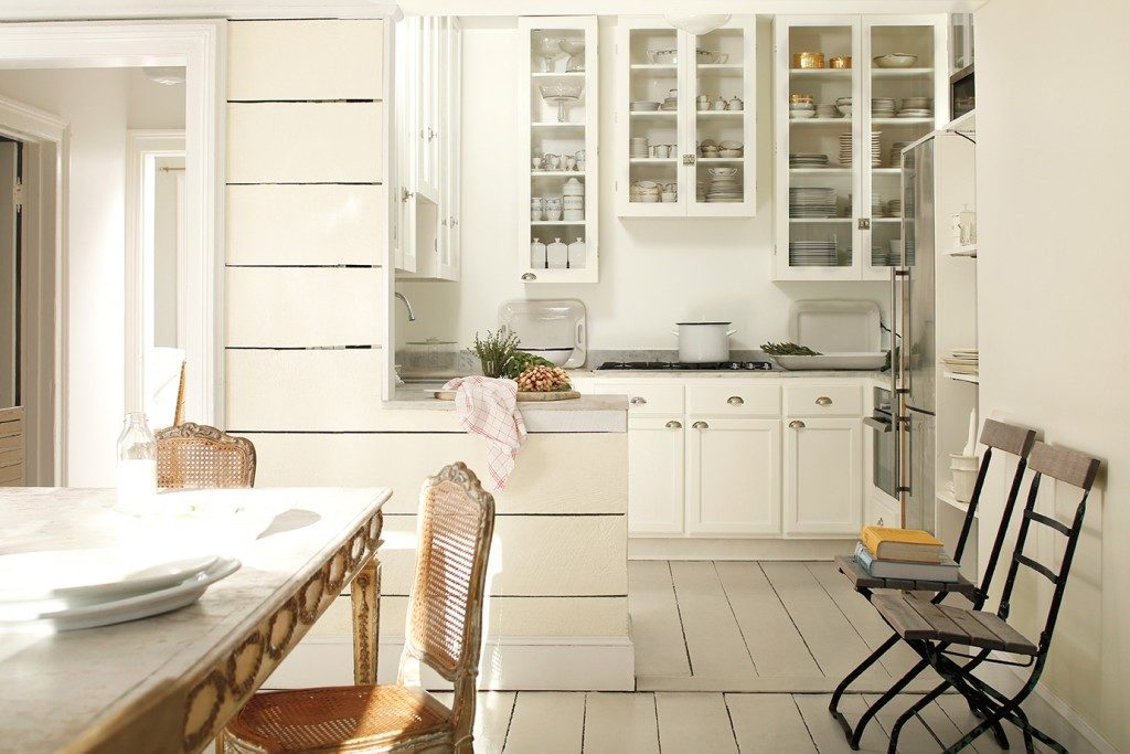 M_TrendsWhiteOnWhite_Kitchen5606.3ht-1024x683